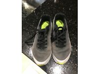 Grey Nike air trainers boys size uk 4