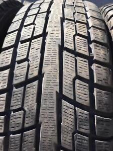 4 pneus d hiver 235/65r17 yokohama