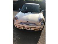 Mini One 2003 in very good condition and one year MOT