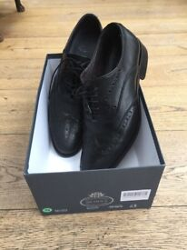 Black leather brogues size 43 UK 9 1/2. Perfect condition