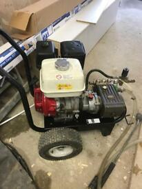 Pressure cleaner with rotary cleaner