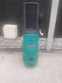 BOSCH PRESSURE WASHER AQUATUK 1350 spare or repair got leak ( it comes with No attachments)