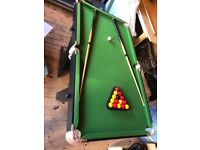 5ft x 2ft 8. Pool table