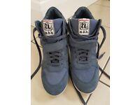 Ash heel trainers