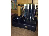 Xbox 360 - 4x games - 1x wired controler