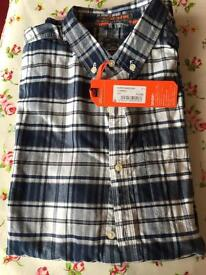 Brand new superdry shirt still with tag size large