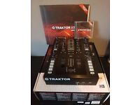 Traktor Kontrol Z2 | Boxed |Excellent condition | inc control Vinyl/CD & Traktor Scratch Pro 2
