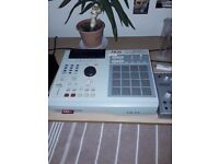MPC 2000XL w/card reader installed + card + card reader +power cable - perfect condition