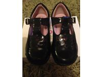 Clarks lights black patent shoes 6.5f