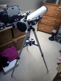 Telescope (F70076) - Used Once. Fully boxed with instructions.