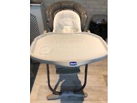 Chicco poly magic high chair in excellent condition