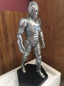 Collectable DOCTOR WHO-CYBERMAN STATUE WITH AUTHENTICITY CERTIFICATE