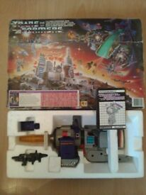 Big Transformers G1 lot, boxed Galvatron, Metroplex, Swindle with annuals and comics (Rare)