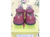 Girls' shoes, size 5 / 22, Bo-Bell