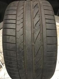 "19"" Bridgestone Run Flat Tyre. 255/30/R19 £60 ono"