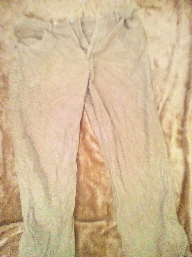 Mens trouser/pants all in fairly good condition. 1 or 2 have some color fade but not noticble much.