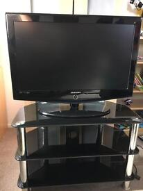 """Samsung 32"""" HDTV with Stand"""