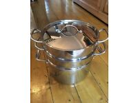 Professional Stainless Steel VOGUE 9.5 litre Stew / Casserole Pot with lid and 2 x steamer inserts