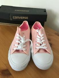 New converse pink size 6