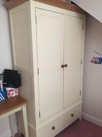 Solid Wood ivory painted bedroom set