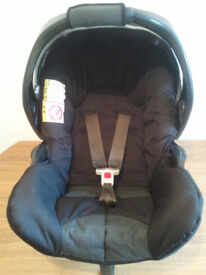 BABY CAR SEAT,GRACO,WITH HOOD,UNIVERSAL,GROUP O +BIRTH TO 13kgs,SUITABLE FROM NEW BORN-15 MONTHS OLD