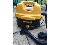 Dewalt DC500 Wet/Dry Vacuum