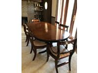Wooden dining table extendable and 6 chairs