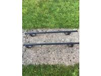 Halfords load Carrier - Roof Bars E