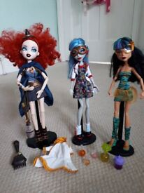 Monster High Dolls (x3) with accessories. Excellent condition.