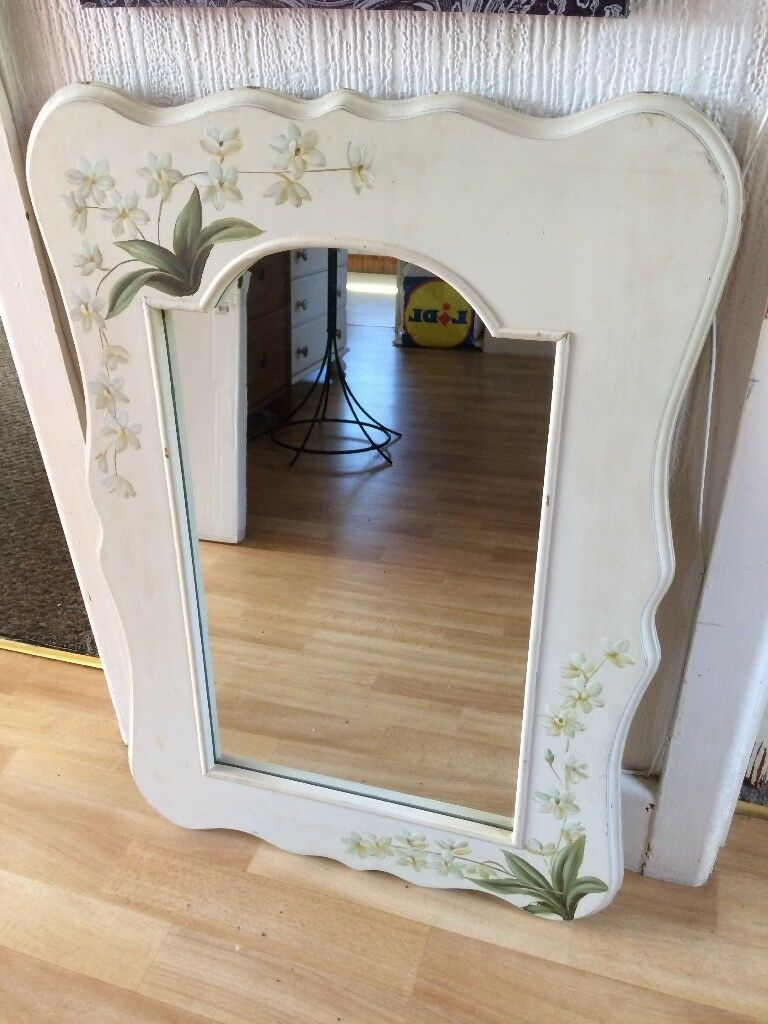 LARGE PRETTY MIRROR