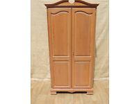 Wooden strong wardrobe (Delivery)