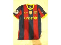 *Authentic* Messi Barcelona 10 Shirt large boys size