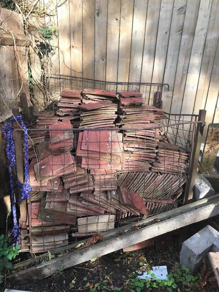 1000 Red land roof tiles for FREE FREE