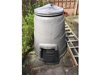 Garden 330 litre composter.