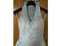 Unused new v-neck wedding dress