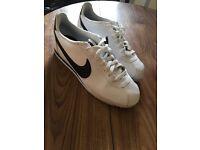 Nike Classic Cortez White size 6