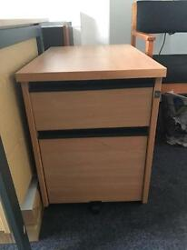 2 draw A4 lockable filing cabinet/unit