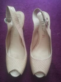 Unisa nude peek a boo heels in excellent condition only worn once size 40