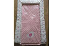 BABY CHANGING MAT - PINK CHICK DESIGN - GREAT CONDITION - ONLY £1