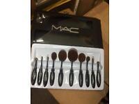 MAC Makeup brush sets