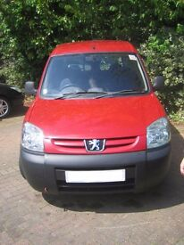 Peugeot PARTNER 56 plate great liitle van great condition ready for work drive away MOT Oct 17