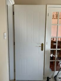 5 x Internal White Doors with Brassware and Hinges Included.
