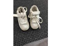 Girls shoes with wheels (used uk size 10)