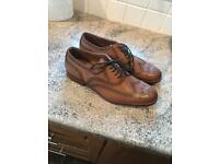 Size 11 Brogue Shoes in Tan