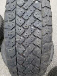 4 PNEUS HIVER SNOWTRAKKER 195 65 15   4 WINTER TIRES