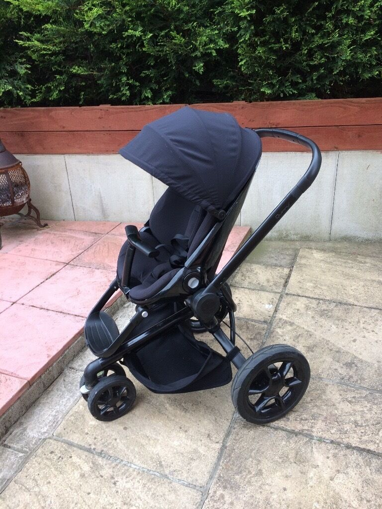 Quinny Moodd and Maxi Cosi travel system