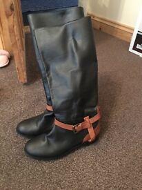 Ladies leather Ravel boots size 5