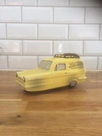 Trotters Independent Traders Robin Reliant Money box