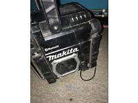 Makita site radio DMR106