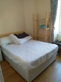 Short Term double bedroom to rent from the 23rd of July to the 6th of August !